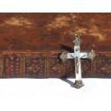 Croix en nacre et argent